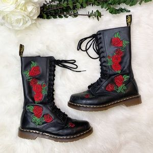 Dr. Martens | 1914 VONDA | Rose Embroidering Boots